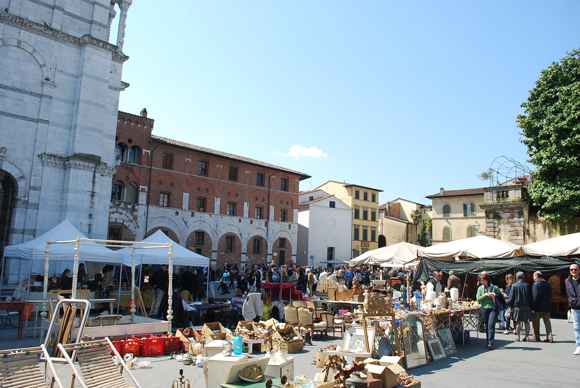 Lucca mostra mercato di oggetti di antiquariato e for Mercatino antiquariato