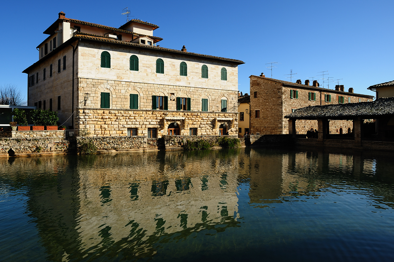 Siena i dintorni bagno vignoni toscanamore blog dell 39 agriturismo i pitti - Il loggiato bagno vignoni ...